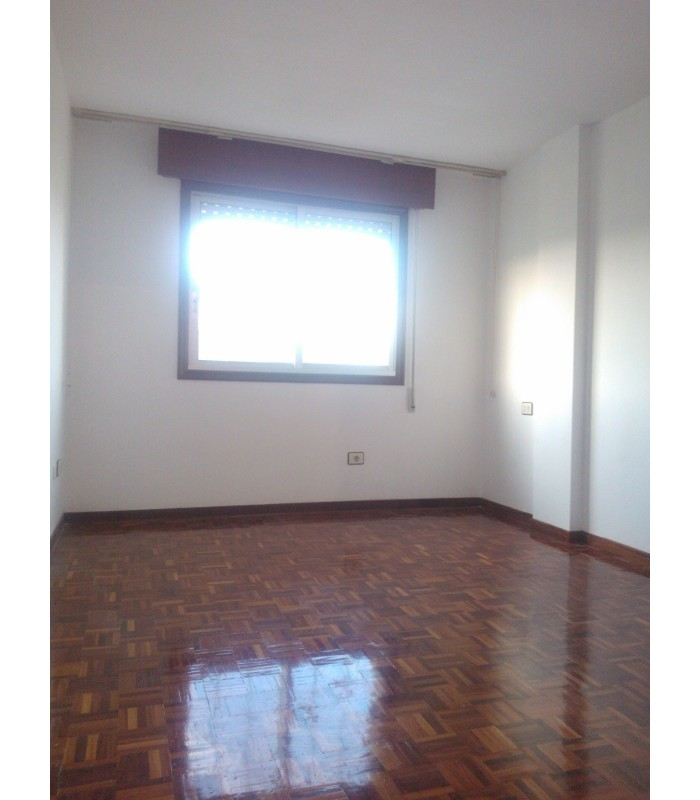 Venta de piso en monteporreiro pontevedra buen estado for Compro piso en sanxenxo
